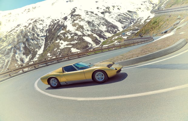 Lamborghini recreates the opening scene of the Italian Job with two stunning Miuras
