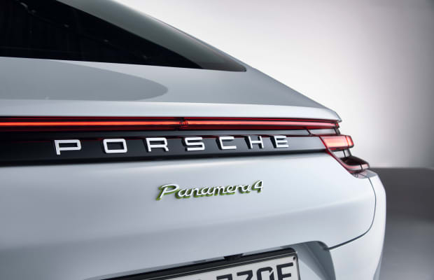 Porsche's new Panamera gets its hybrid technology from the 918 hypercar