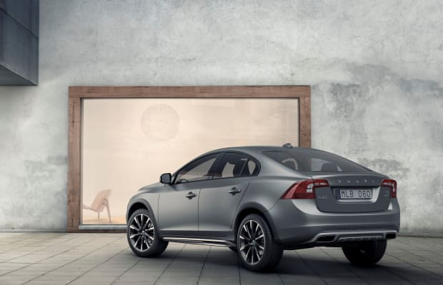 Volvo reveals their all-road sedan, the S60 Cross Country