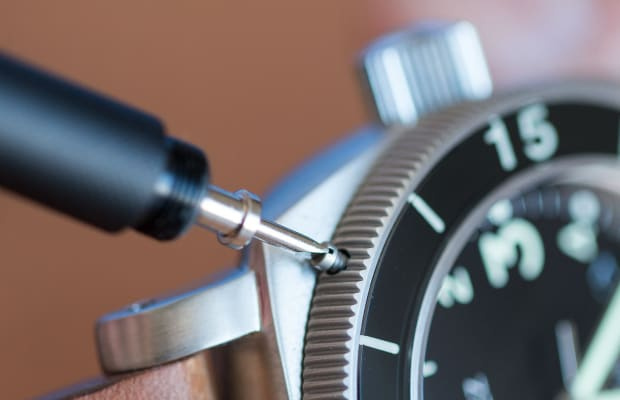 Worn & Wound's Strap-Changing tool is a welcome addition to any watch kit