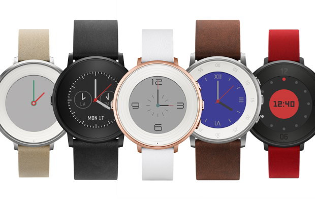 Pebble goes for a more traditional look with their Pebble Time Round