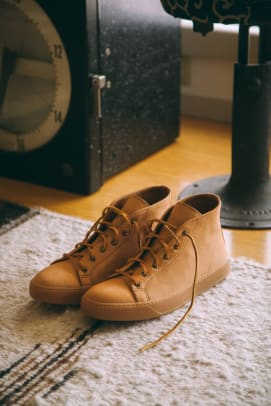 Tanner_Goods_X_Rancourt_Court_Classic_Natural_Essex_web_res_lifestyle01_1.jpg
