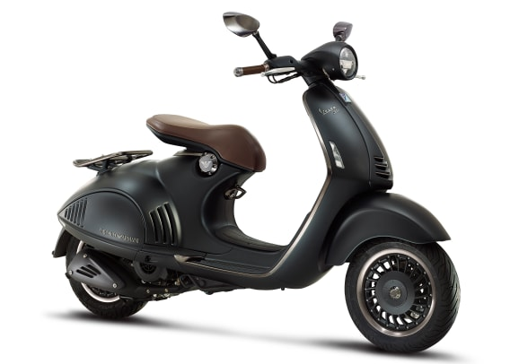EA VESPA 946_right side.jpg