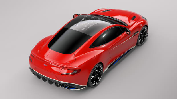 Q_by_Aston_Martin_Vanquish_S_Red_Arrows_Edition_03.jpg