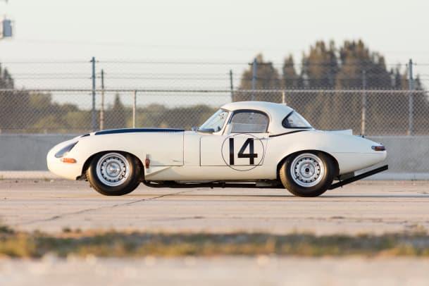 1963 Jaguar E-Type Lightweight #14 Cunningham 13