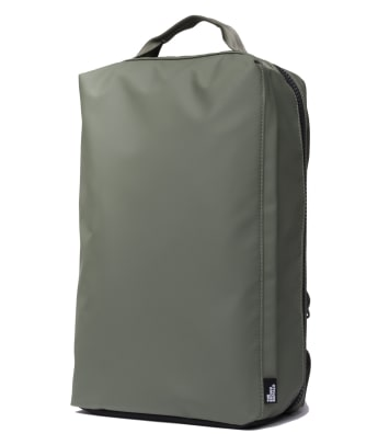 stormproof-travel-backpack-olive-quarter