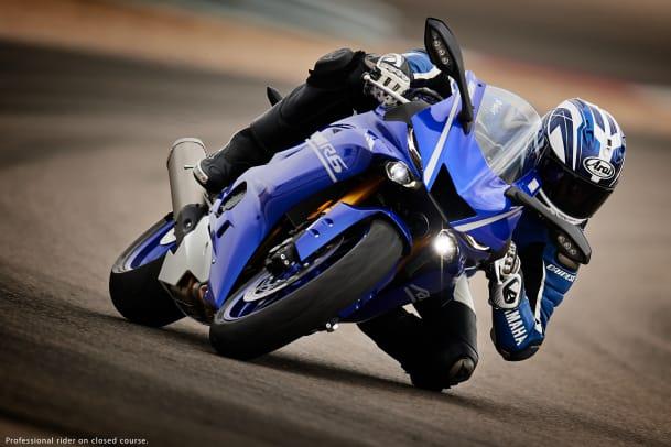 17_r6_blue_a2.jpg