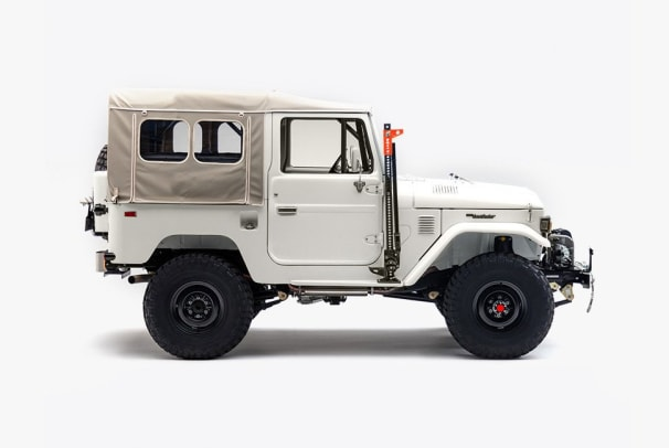 gear-patrol-store-fj-co-3_1024x1024.jpg