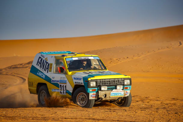 Nissan_1987_Paris_Dakar_rally_car_02.jpg