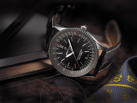 Navitimer_1_Automatic_38_with_black_dial_and_black_alligator_leather_strap_KOPIE