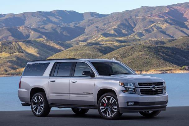 2019-Chevrolet-Suburban-RST-003