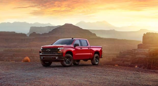 2019-Chevrolet-Silverado-001