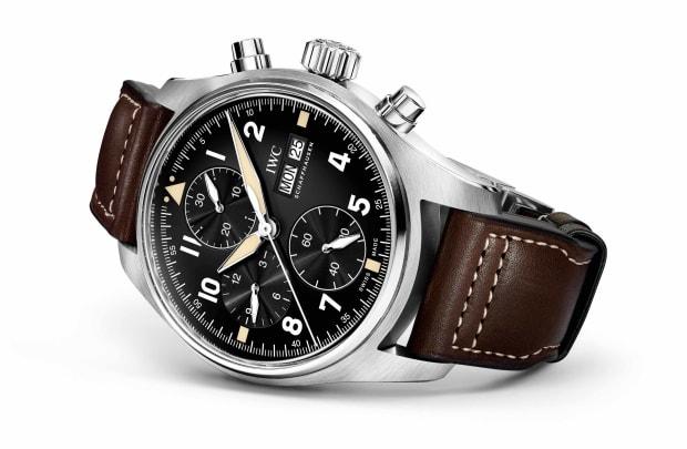 iw387901-pilot039swatchchronographspitfire-lifestyle-102086