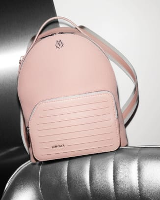 RIMOWA Never Still beauty shots_Backpack Small Desert Rose