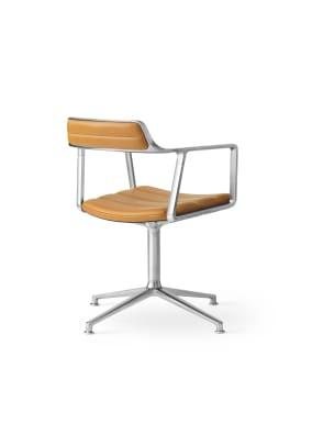 vipp-452-swivel-chair-polished-sand-leather-castors-03-high