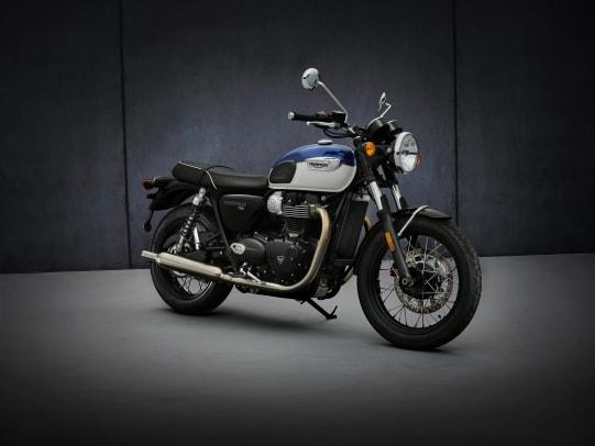 2021-Triumph-Bonneville-T100-Hero-01