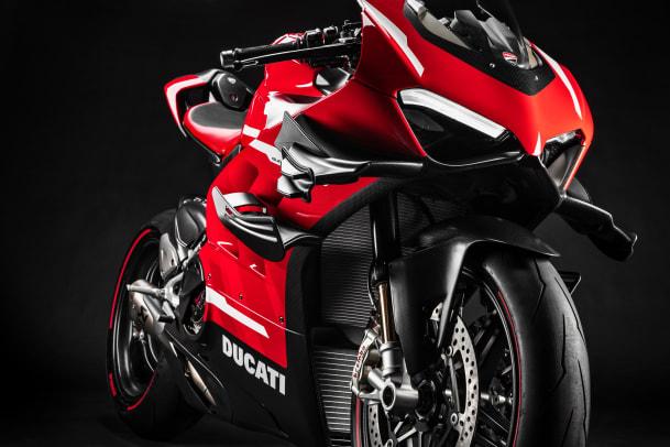 05_Ducati Superleggera V5_UC145958_Mid