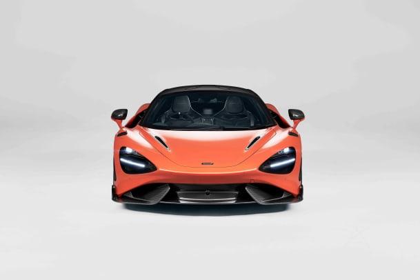 11843-McLaren-765LT