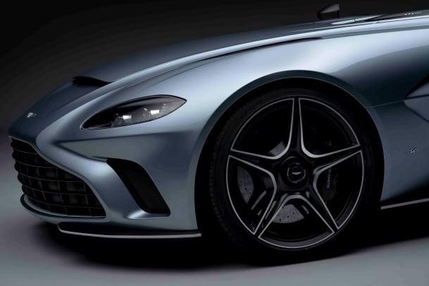 Aston Martin V12 Speedster (15)