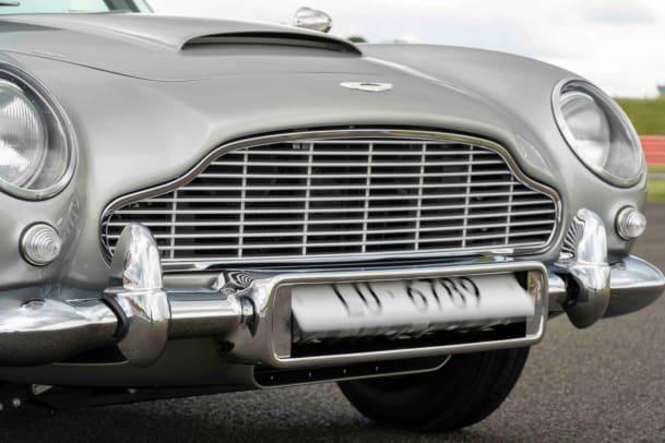Aston Martin DB5 Goldfinger Continuation_14