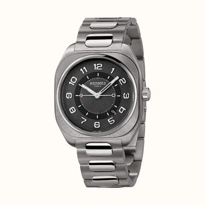 hermes-h08-watch-39-x-39mm--049427WW00-front-4-300-0-1100-1100_b
