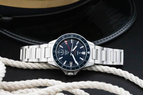 Navygraf Marine Nationale GMT lifestyle 3