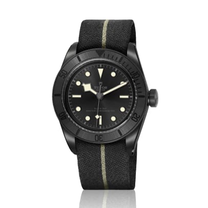 M79210CNU-0000_black_fabric_black_V_RVB