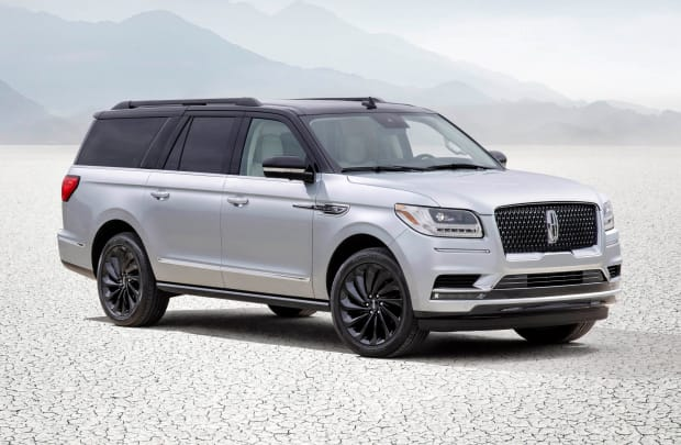 Lincoln introduces a new two tone package for the 2021 Navigator
