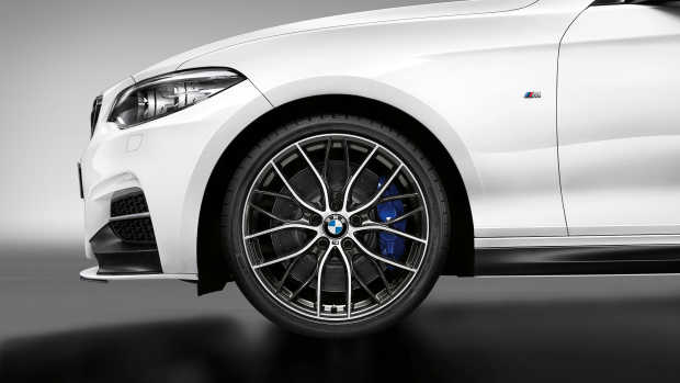 P90259139_highRes_the-new-bmw-m240i-m-