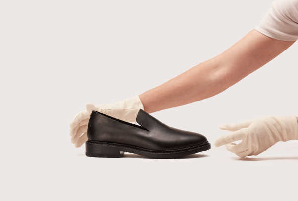 FEIT_Archive_Sale_press_Dressy_slipper_black