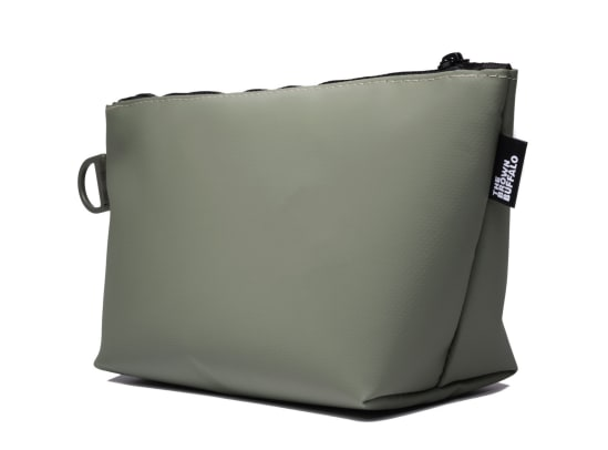stormproof-accessory-pouch-olive-quarter