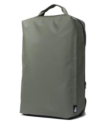 stormproof-travel-backpack-olive-quarter