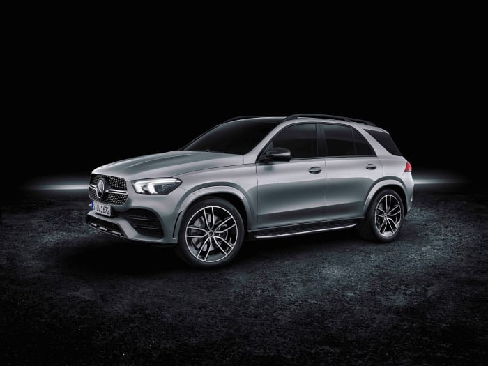 Mercedes adds an electrified V8 to the GLE lineup