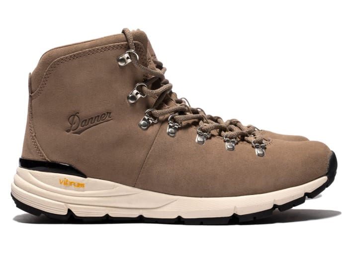 Sophnet and Danner team up on a limited edition Mountain 600