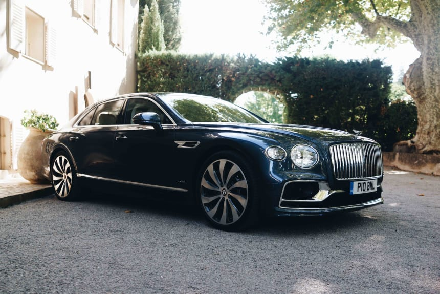 Bentley delivers the ultimate level of luxury and performance in the new Flying Spur