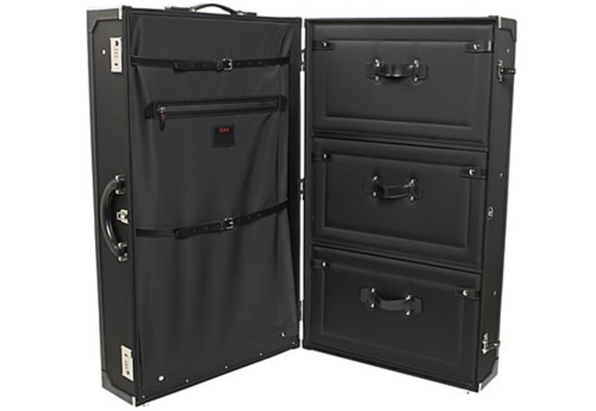 Tumi Townhouse Travel Amp Business Wardrobe Trunk Acquire