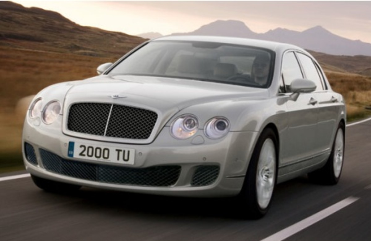 With A Top Sd Of 200 Mph The Bentley Continental Flying Spur Is Fastest Four Door Ever Produced And Will Surely Have You Kicking Your