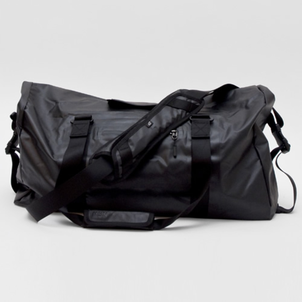 https   www.acquiremag.com style nike-sportswear-duffle 2014-11 ... 3e0d19809b899