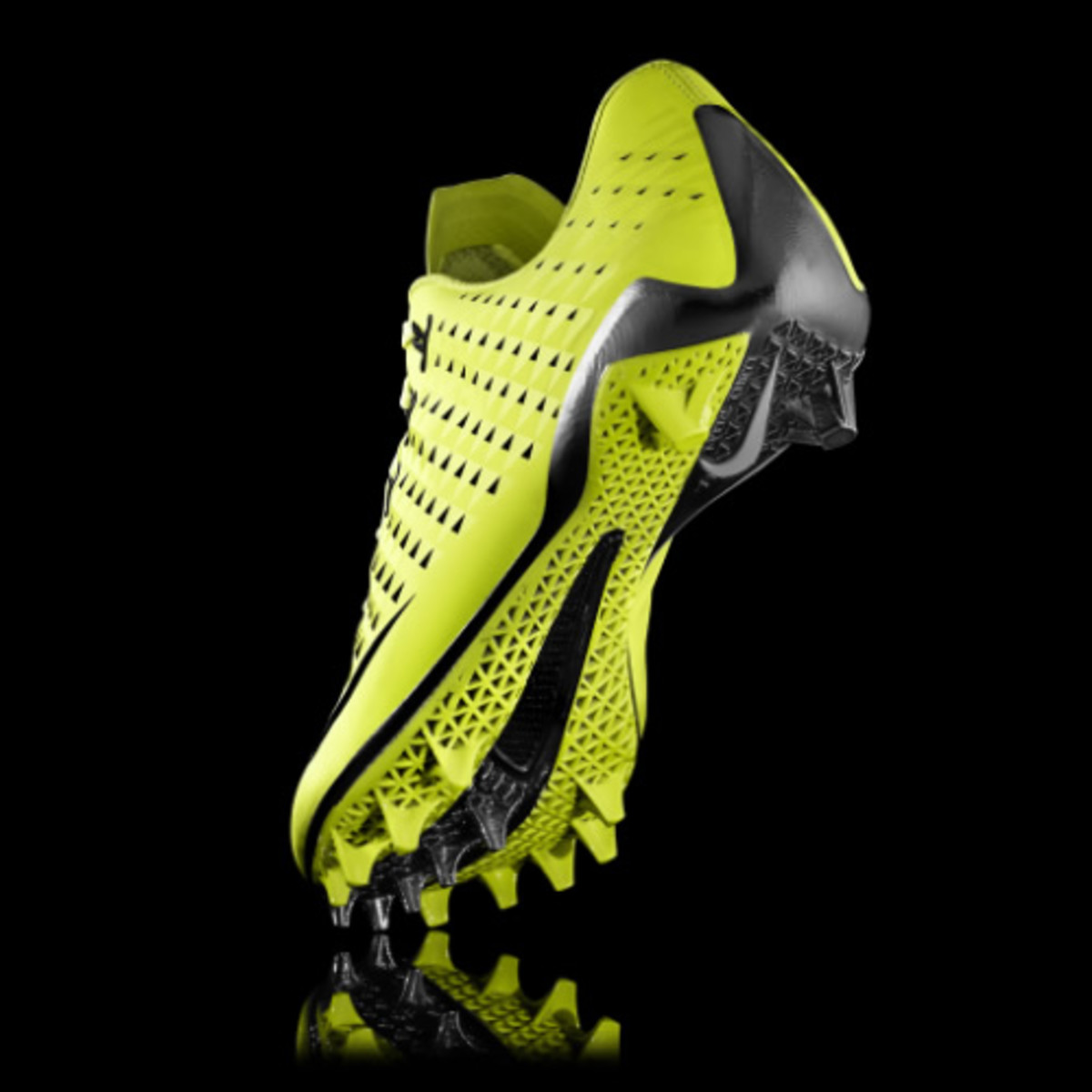 d246e17e3d1d Taking advantage of 3D printing technology, Nike introduces the Vapor Laser  Talon. Nike was able to speed up its development schedule using Selective  Laser ...