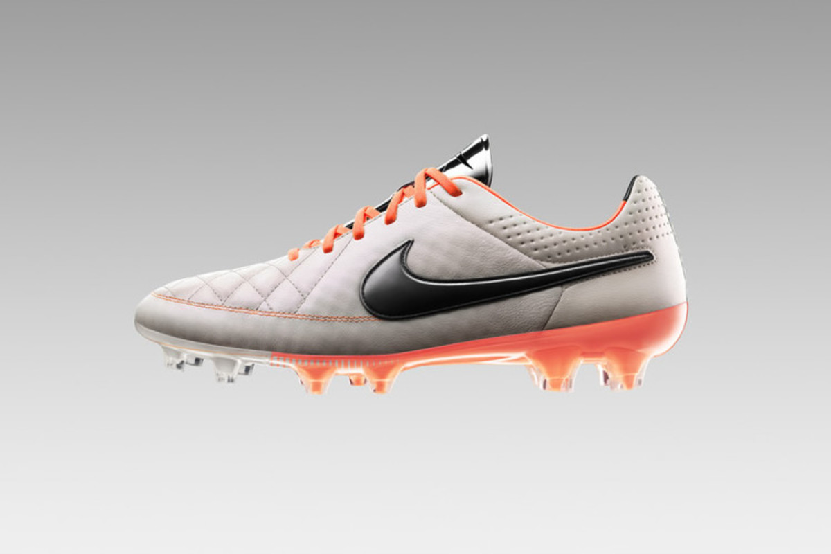Nike s Tiempo Legend V may just be the most handsome cleat on the pitch.  For the latest version of the Tiempo 39de010eb