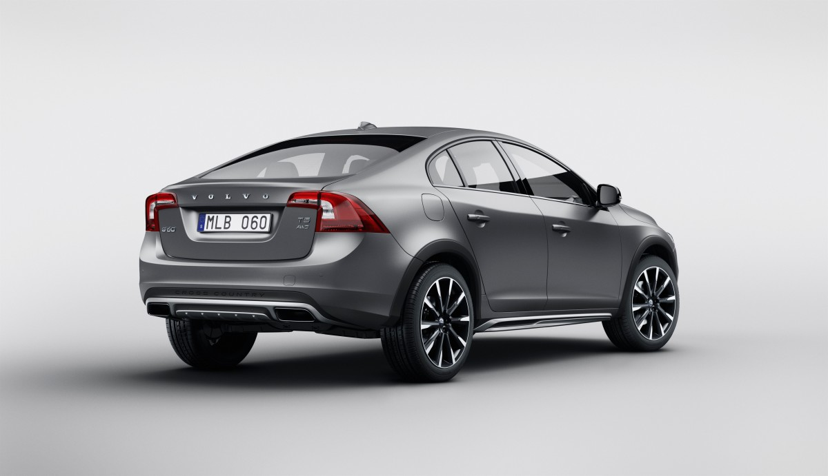 155804_Volvo_S60_Cross_Country (1).jpg