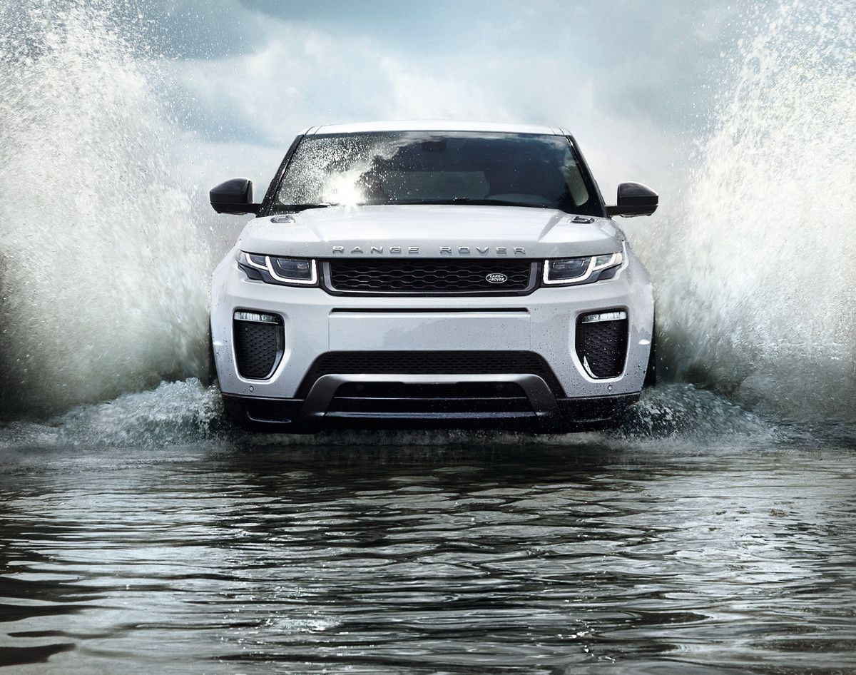 Photos: Land Rover