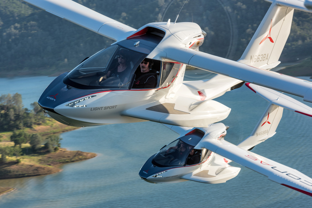 Icon A5 Flying Earning our wings in I...