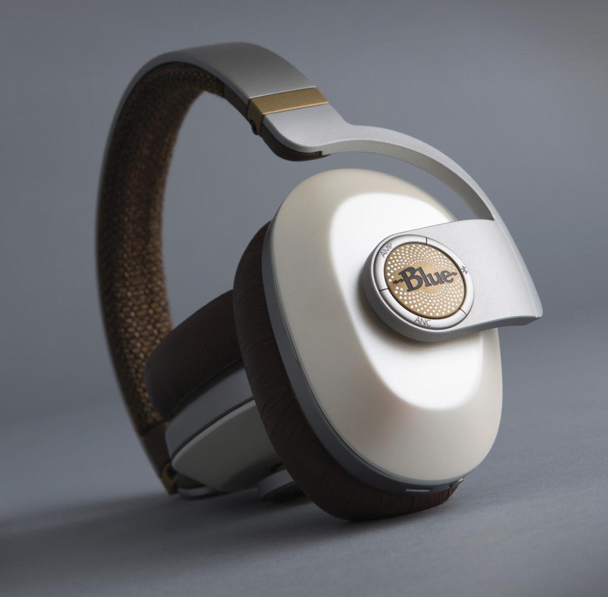 Blue Satellite Noise Cancelling headphones