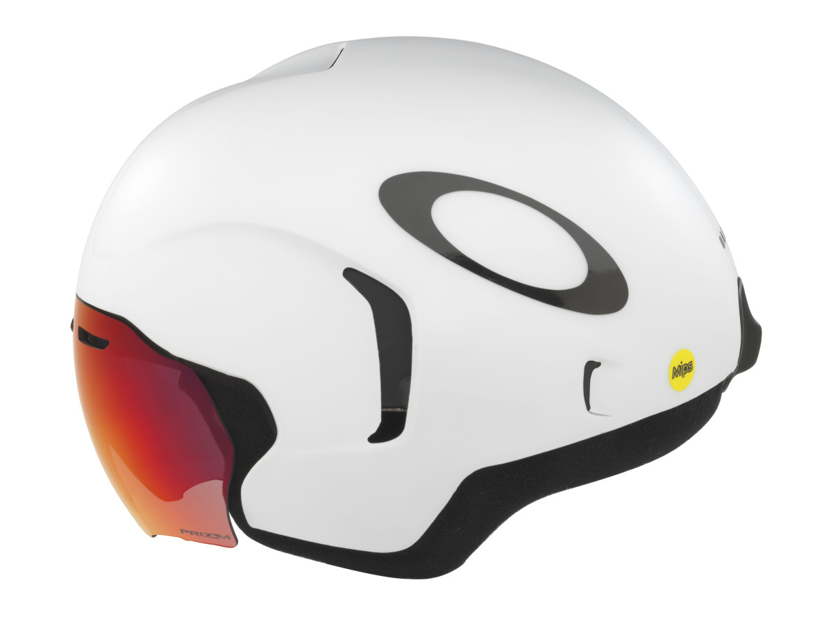 b0ea4f5312775 Oakley launches its first cycling helmets - Acquire