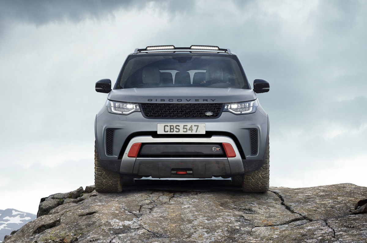 Land Rover charges into the mountains with the Discovery SVX Concept