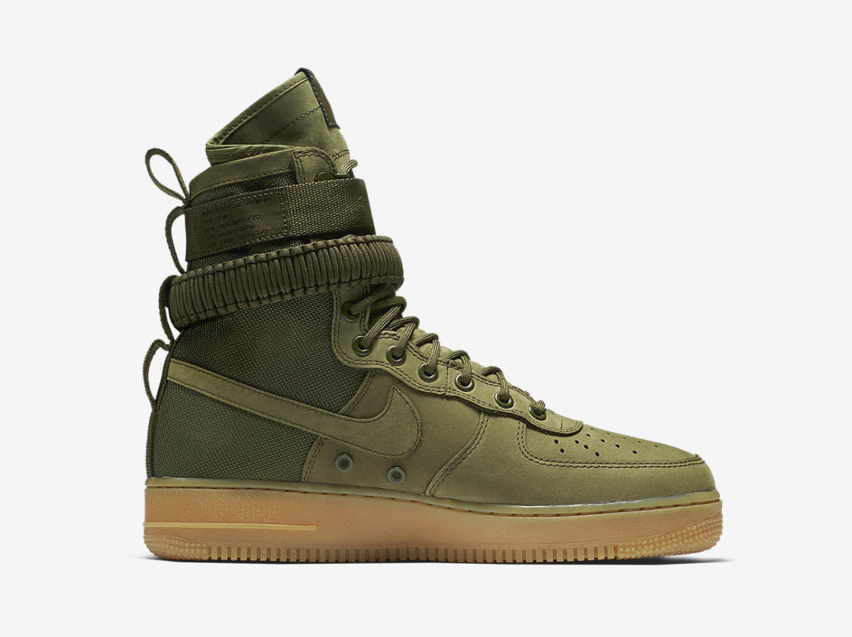 Nike Special Field Air Force 1 in Olive