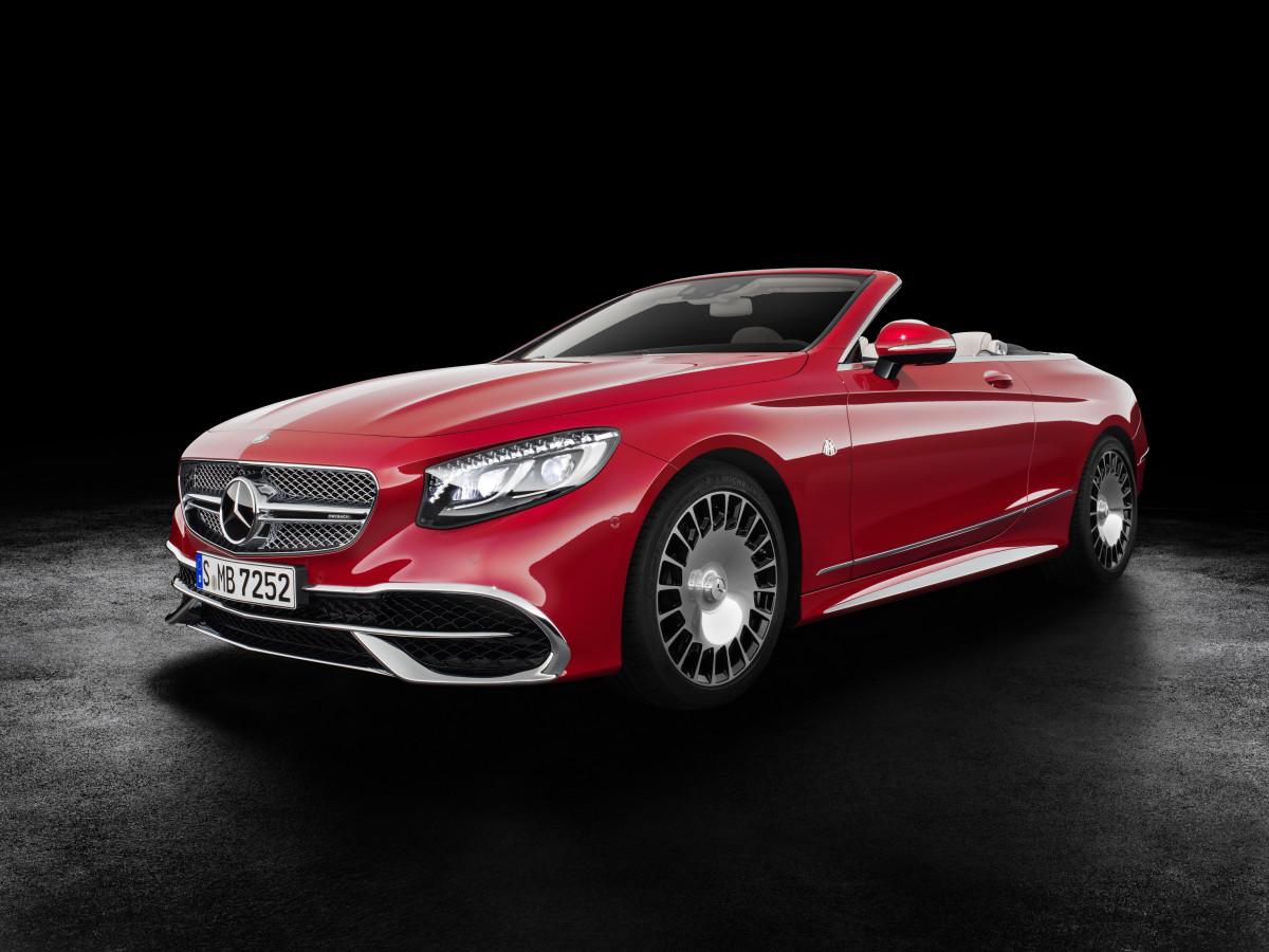 Mercedes Maybach S650 Cabriolet Front Quarter