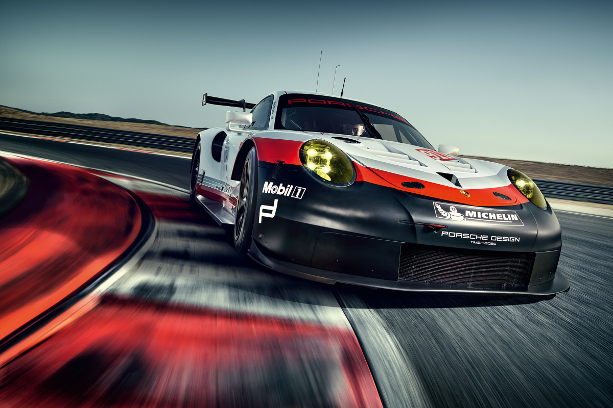 Porsche 911 RSR Apex