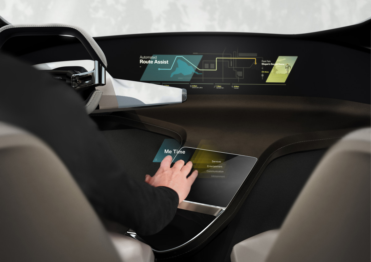 BMW previews HoloActive Touch